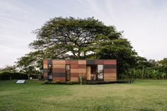 Vimob een mobiel huis van 35 vierkante meter van het Colombiaanse Colectivo Creativo dat simpel & snel in elkaar gezet kan worden.