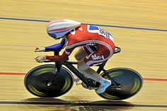 Track Cycling's Individual Pursuit - Where Speed Meets Endurance http://www.uacchallenge.com/blog/default/track-cyclings-individual-pursuit/