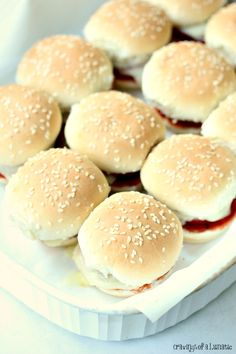 Mini Pizza Sandwiches- These adorable little Mini Pizza Sandwiches are perfect for game day, or for an afternoon snack. Grill them for the full tailgate experience. You'll thank me for it!