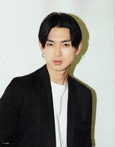 Matsuda Shota 松田翔太 Actor Model, A Comics, Beautiful Men, Hair Beauty, Comic Books, Japanese, Actors, Portrait, Hair Styles