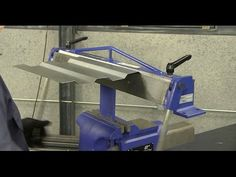 How To Make a Rocker Panel & Truck Bed Floor with an Eastwood Brake Cool Tools, Diy Tools, Rat Rod Build, Sheet Metal Brake, Metal Fabrication Tools, Auto Body Work, Metal Shaping, Car Fix, Metal Bending