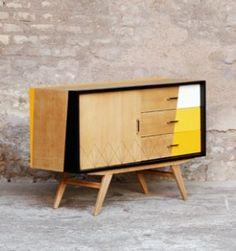 Meuble_buffet_bjaune_blanc_graphique_vintage_relooke_tv_bois_clair_mobilier_50_60_gentlemen_designers_strasbourg_alsace_paris_lyon_vignette