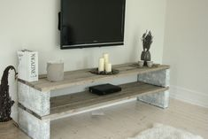 is a list of 21 creative DIY TV stand ideas you might . is a list of 21 creative DIY TV stand ideas you might . Diy Furniture Nightstand, Tv Furniture, Diy Outdoor Furniture, Furniture Design, Decor Room, Living Room Decor, Diy Home Decor, Diy Tv Stand, Home Projects