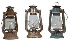 Candiles, quinqués y objetos antiguos para decoración. Old Lanterns, Vintage Lanterns, Inventions, Objects, Old Things, Geek Stuff, Retro, Lighting, Antiques