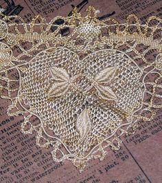 Beautiful antique needle lace heart~❥
