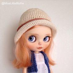 Romantic hat for Blythe doll, sombrero para muñeca, cappello per bambola di MissLittleBlythe su Etsy https://www.etsy.com/it/listing/278556956/romantic-hat-for-blythe-doll-sombrero