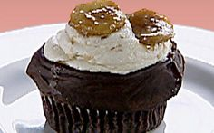 Gilbert ganache-fried cupcakes: chocolate seltzer cupcakes with ganache, banana icing Recipe b...