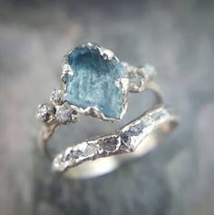 RAW Uncut aigue marine diamant or bague de par byAngeline sur Etsy