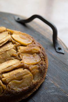 Yes please...! Applesauce Upside Down Cake. Perfect Thanksgiving dessert recipe. | #dessert, #recipe, #thanksgiving