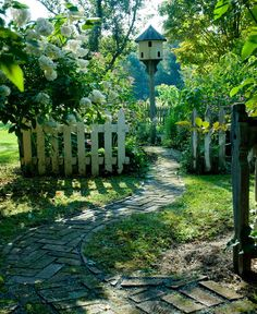 antique-garden-birdhouse--Very cute concept--I'll try to figure out how to incorporate this...