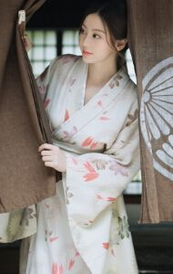 Hot Japanese Girls, Beautiful Japanese Girl, Cute Japanese, Japanese Kimono, Beautiful Asian Girls, Kawai Japan, Japanese Costume, Japan Girl, Traditional Outfits