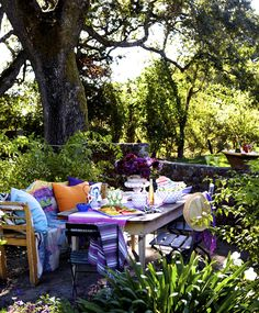 Fun, Color Filled Outdoor Dining. Design Chic.