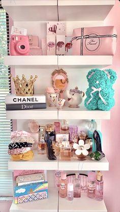 Teen Room Decor, Room Decor Bedroom, Bedroom Ideas, Baby Pink Aesthetic, Aesthetic Bedroom, Pink Clouds Wallpaper, Rose Gold Room Decor, Glam Room, Cozy Room