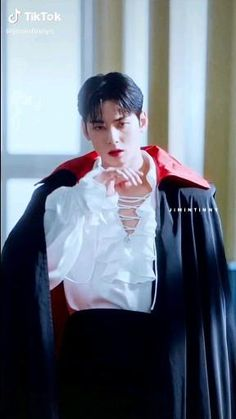 Korean Drama Romance, Korean Drama Best, Film Aesthetic, Aesthetic Videos, Kpop Entertainment, Bobby Brown Stranger Things, Creative Instagram Photo Ideas, Drama Funny, Cha Eun Woo Astro