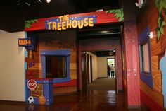 church kids treehouse - recreate with paper, and fake foliage. Use the stage as the platform. Kids Church Rooms, Church Nursery, Youth Ministry Room, Ministry Ideas, Children Ministry, Church Ministry, Kids Clubhouse, Preschool Rooms, Kids Gym