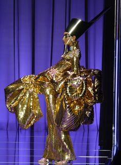 galliano for dior couture #egyptomania. This just makes me go ''whoa'' lool