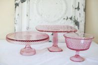 i really REALLY want the big cake stand...i love love love this!