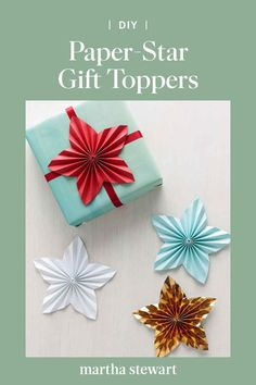 Think of those homemade cookies, candies, and other seasonal treats. Think of those homemade cookies, candies, and other seasonal treats. Paper Crafts For Kids, Christmas Crafts, Diy Crafts, Christmas Wrapping, Christmas Diy, Christmas Things, Merry Christmas, Boxes And Bows, Kids Origami