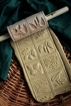 Chip Carving, Wood Carving, Royal Pattern, Dark Food Photography, Pottery Tools, Fancy Desserts, Wood Stamp, Sugar Art, Tampons