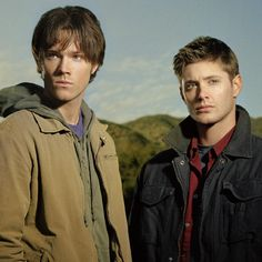 Jared And Jensen - jared-padalecki Photo John Winchester, Winchester Brothers, Supernatural Actors, Supernatural Seasons, Jeffrey Dean Morgan, Sam Dean, Jensen Ackles Jared Padalecki, Jared And Jensen, Sams Hair
