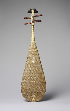 Amazingly intricate Ming-dynasty pipa (a Chinese lute) from the Metropolitan Museum's collection.