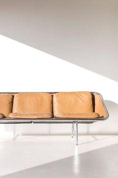 George Nelson Sling Sofa for Herman Miller 10 Home Decor Furniture, Modern Furniture, Furniture Design, Plywood Furniture, Futuristic Furniture, Furniture Ideas, White Dining Chairs, Lounge Chairs, Eames Chairs
