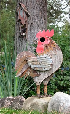 large rooster yard art and possibly a bird house in the eye of rooster. Bird House Plans, Bird House Kits, Bird House Feeder, Bird Aviary, Garden Junk, Herb Garden, Chickens And Roosters, Bird Cages, Yard Art