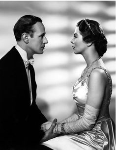 Leslie Howard & Dame Wendy Hiller, 'Pygmalion' Love the satin in this - they don't really make satin like this any more :-( Old Hollywood Movies, Golden Age Of Hollywood, Vintage Hollywood, Hollywood Stars, Classic Hollywood, Hollywood Actresses, Hollywood Glamour, Leslie Howard, Trevor Howard