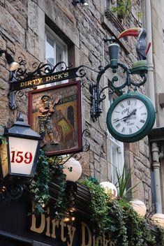The famous Dirty Dicks pub in Edinburghs Rose Street, Scotland