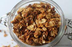 Granola mit Mohn {Selbstgemachtes Knuspermüsli}  www.aboutloavesandfishes.blogspot.de  Geschenke aus der Küche / Gifts in a Jar / Müsli selber machen