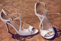 Az idei alkalmi cipő trendekről, és a cipőválasztás szempontjairól Kecskés Emesével, a Heels-Baldowski cipőmárka tulajdonosával beszélgettünk.  #alkalmicipő #esküvőicipőkiválasztása #esküvőicipőmenyasszonyoknak Youre My Person, Budapest, Heels, Wedding, Fashion, Weddings, Heel, Valentines Day Weddings, Moda