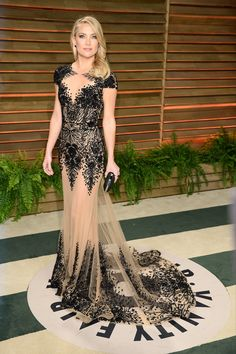 Kate swapped her Atelier Versace for an intricate lace-and-bead Zuhair Murad gown at Vanity Fair's post-Oscars bash.