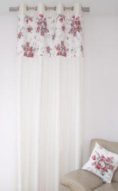 Ecru modne zasłony z różami w malinowo szarym kolorze
