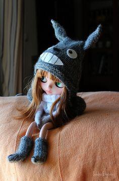 Blythe x My Neighbor Totoro (Studio Ghibli). Curated by Suburban Fandom, NYC Tri-State Fan Events: http://yonkersfun.com/category/fandom/