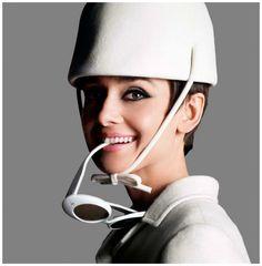 Photo by Douglas Kirkland – Audrey Hepburn, Paris,1965