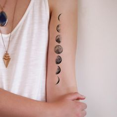 Moon phase temporary tattoo – Tattoorary