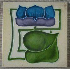 UNBRAND ENGLAND (BARRATT) - ANTIQUE ART NOUVEAU MAJOLICA TILE C1902