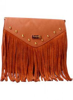Bandolera de cuero argentino con flecos. Disponible en http://veski.cl  Argentine Leather handbag.