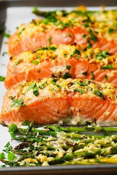 Salmon Recipes Discover Garlic Parmesan Crusted Salmon and Asparagus Garlic Parmesan Crusted Salmon and Asparagus - easy healthy gluten free dinner (seafood fish recipes) Baked Salmon And Asparagus, Parmesan Crusted Salmon, Baked Salmon Recipes, Asparagus Recipe, Seafood Recipes, Dinner Recipes, Garlic Parmesan, Roasted Salmon, Grilled Salmon