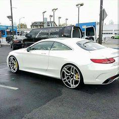 No photo description available. Luxury Sports Cars, Best Luxury Cars, Sport Cars, Mercedes Benz Coupe, Mercedes Models, Audi, Porsche, Lamborghini, Maserati