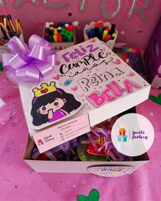 Diy Crafts For Gifts, Paper Crafts, Candy Bouquet, Ideas Para Fiestas, Kids Boxing, Diy Cards, Decoupage, Balloons, Birthdays