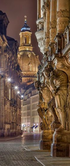 Dresden, Germany #creativelolo #art #travel #photography #illustration #creative #design #viajar #alemania #germany #dresden