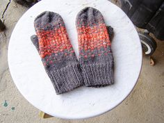 reflection mittens by cosymakes, via Flickr
