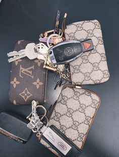 Awesome luxury cars detail are offered on our web pages. Pochette Louis Vuitton, Louis Vuitton Key Pouch, Louis Vuitton Keychain Wallet, Louis Vuitton Neverfull, Luxury Purses, Luxury Bags, Preppy Car, Cute Car Accessories, Car Interior Accessories
