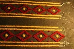 Broderies en cours pour ma robe carolingienne. les broderies de julia