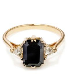 Black Spinel Bea Ring