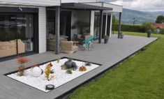 Terrasse composite gris ironise/anthracite Design Jardin, Outdoor Furniture Sets, Outdoor Decor, Decoration, Patio, Images, Home Decor, Gray, Beautiful Gardens