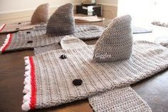Free pattern: crochet shark blankets.  Homemade by Giggles.  Check out the pattern for these amazing blankets for kids!  Assembly instructions included.