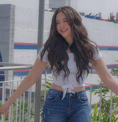 LOVELY GIRL Filipina Actress, Filipina Girls, Filipina Beauty, Cute Cat Wallpaper, Perfect Wallpaper, Modern Filipiniana Gown, Maja Salvador, Dark Hair, Aesthetic Clothes