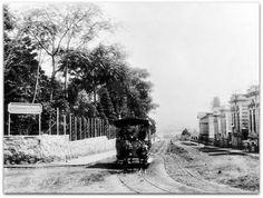 circa 1890 -  Rua Dona Veridiana, na última década do século, ponto final de uma linha de bondes puxados a burro. Dona Veridiana dá nome a uma rua no bairro de Higienópolis.